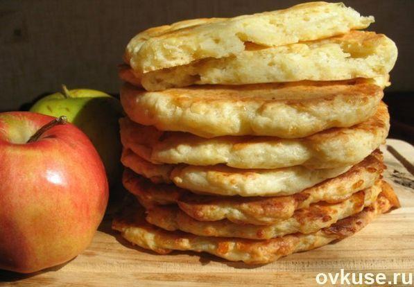 Финские лепешки с сыром и яблоками