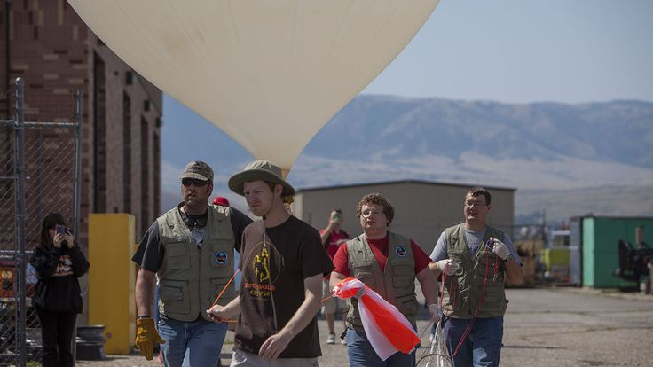 Casper College students bask in eclipse while hunting for rogue balloon - Casper Star-Tribune Online #college #collegestudents