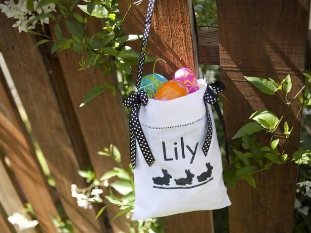 Hand out totes with personalized stencil patterns as creative Easter egg hunt baskets that double as party favors that guests can use all year long.