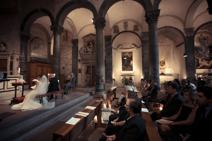 A beautiful picture during the ceremony in one of the most beautiful church in Florence.