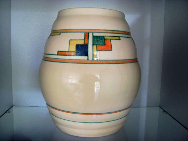 Hoge velsen pottery vase model 47