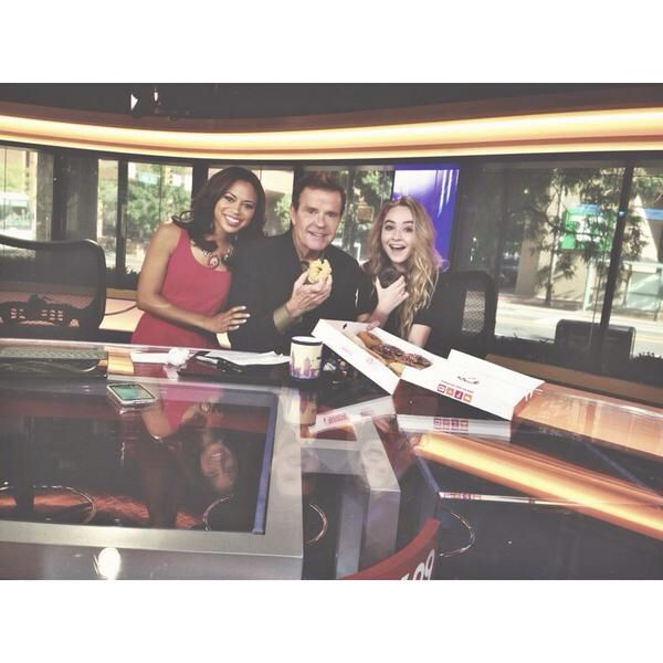 Sabrina was on Fox 29 Philly! Love the Good Day, love Sabrina!! Too bad I missed it!! Lol! :p