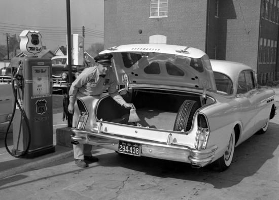 Gas Station Attendant 1958: Photos, Rockets 88, Full Service, 1958 Oldsmobile, Photo Shared, Real Service, Oldsmobile Rockets, Attendance 1958, Gas Stations