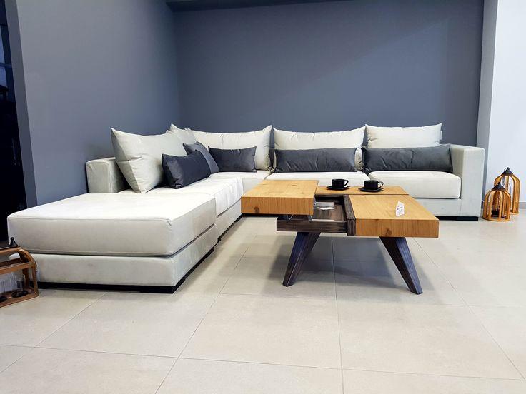 ΚΑΝΑΠΕΣ ΓΩΝΙΑ CHICAGO      Μοντέρνος καναπές γωνία με δυνατότητα αλλαγής πλευράς της γωνίας ανά πάσα στιγμή ανάλογα με τον χώρο σας.  Ύφασμα αδιάβροχο πλενόμενο αλέκιαστο (easy clean) για εύκολο καθάρισμα  Μαξιλάρια αποσπώμενα με φερμουάρ    Δυνατότητα αλλαγής διαστάσεων  Μεγάλη επιλογή υφασμάτων  Ελληνικής κατασκευής  5 ετή εγγύηση   *Διαθέσιμο στην έκθεση μας.