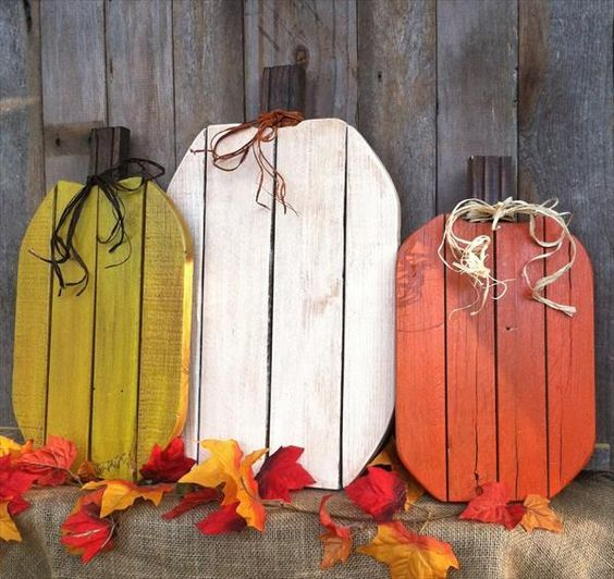 From our Halloween design concepts you might get a concept that how to beautify your entrance or lawn spookier and more exciting with Rustic Pallet Pumpkins. Halloween is probably the most fun vacation in the season.