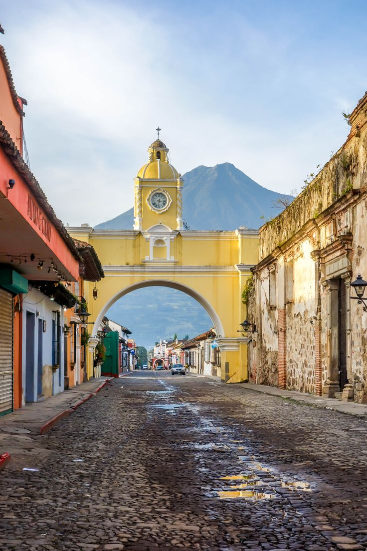 asics gel kayano 21 review womens Arco de Santa Catalina in Antigua Guatemala    Check out our Backpacking Guide for Travel Tips about this amazing place
