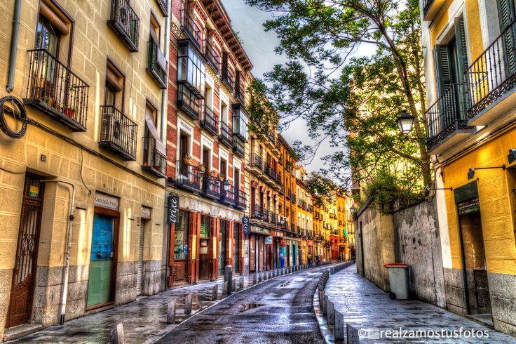 Madrid, Cava Baja, Calle muy antigua de Madrid. Calle de restaurantes. La Latina. Fotografía artística. de Realzamostusfotos en Etsy https://www.etsy.com/es/listing/274376600/madrid-cava-baja-calle-muy-antigua-de