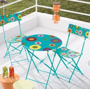 find out outdoor furniture and paint it fun