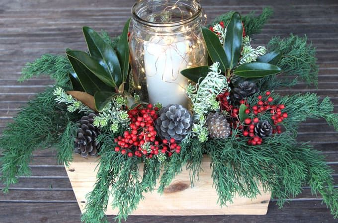 DIY Christmas table decorations: easy tutorial & video on how to make a beautiful, long lasting Christmas centerpiece as decor & gifts in 10 minutes!