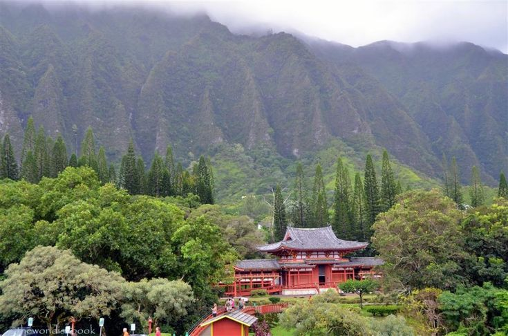 The Beauty and Serenity of the Byodo-in Temple in Oahu - The World Is A Book