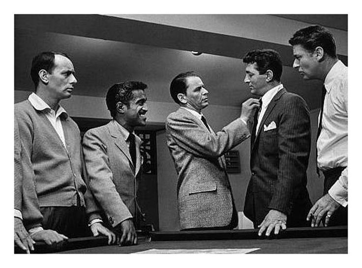 """Joey Bishop, Sammy Davis Jr., Frank Sinatra, Dean Martin y Peter Lawford en """"La Cuadrilla de los Once"""" (Ocean's Eleven), 1969"""