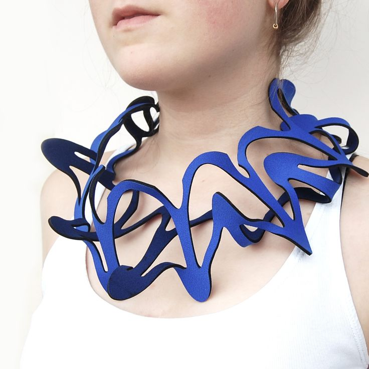 Foglia blue necklace | Contemporary Necklaces / Pendants by contemporary jewellery designer Jelka Quintelier