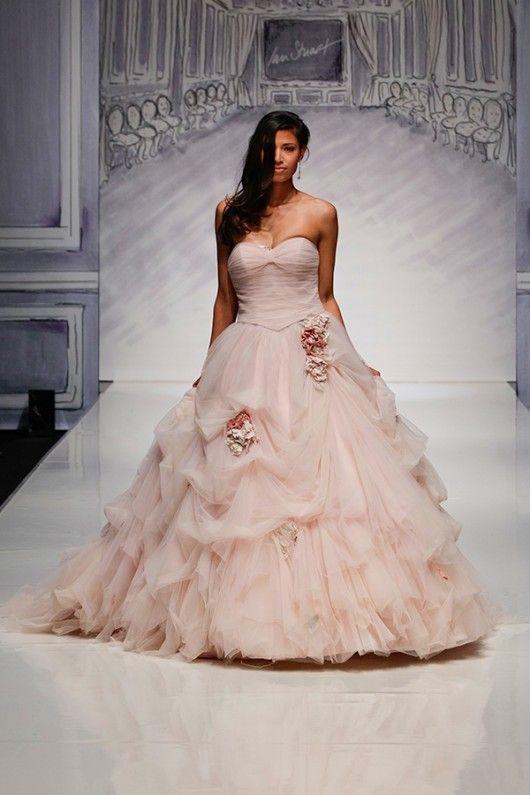 abito da sposa rosa Ian Stuart 2014 prezzo 2.425 sterline