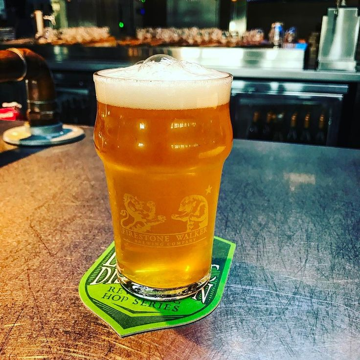 Single Hop (Azacca) Pale Ale is in-house brewed at the FSWP location in Venice! Tropical juicy bite of papaya and that nice tropic hop bite!