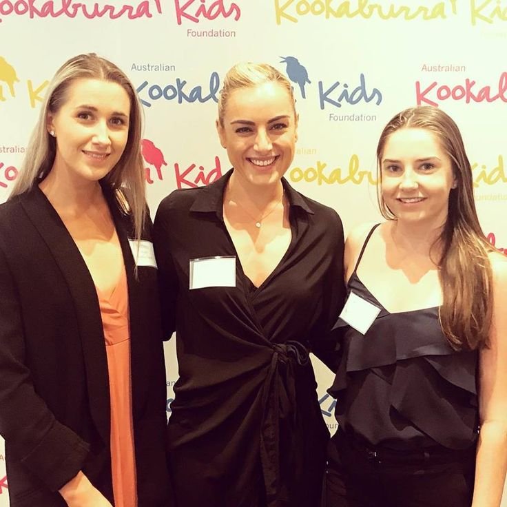 Yesterday // celebrating women in business for International Women's Day with Brit and Kayla.  Thank you to our lovely clients, Watkins Tapsell Solicitors for having us on your table. 💜🌸