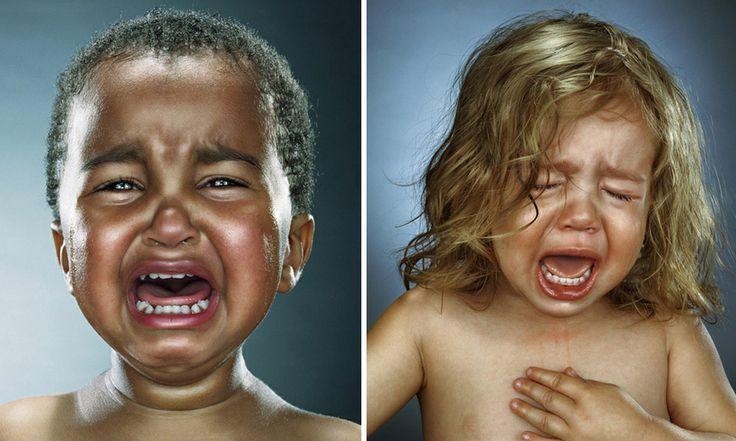 Um ensaio diferente - fotógrafa retrata crianças chorando