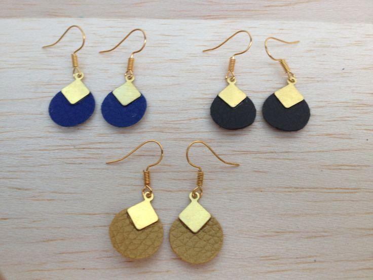 Boucles d'oreilles cuir , rond doré et losange laiton : Boucles d'oreille par aika