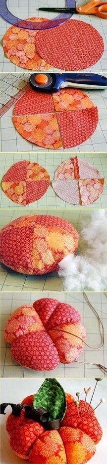 Troços de Trapos: Abóbora de tecido - alfineteiro