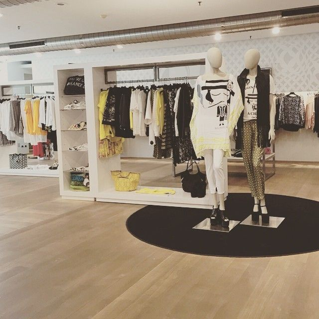 Black+White+Yellow. #new #womenswear #ss15 #spring #collections #instafashion #mascheronistore #mascheroni #quality #elegance #musthave #fashion