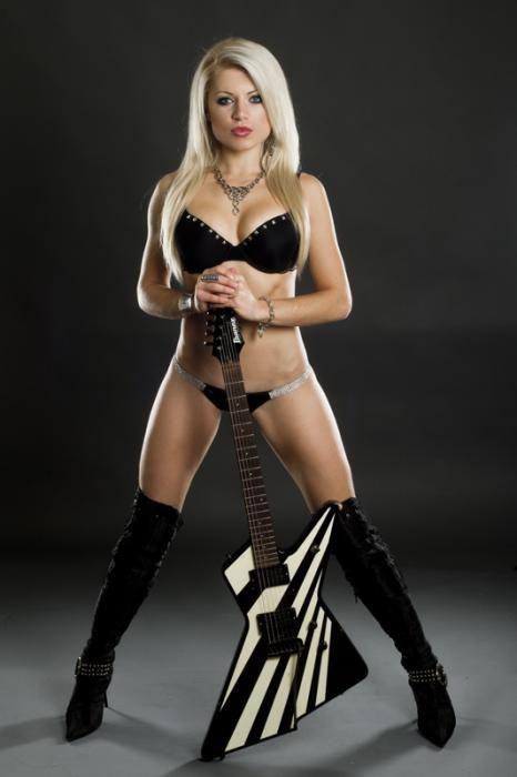Hot Chicks Of Metal Tour