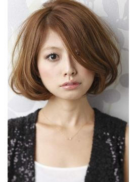 Light brown bob