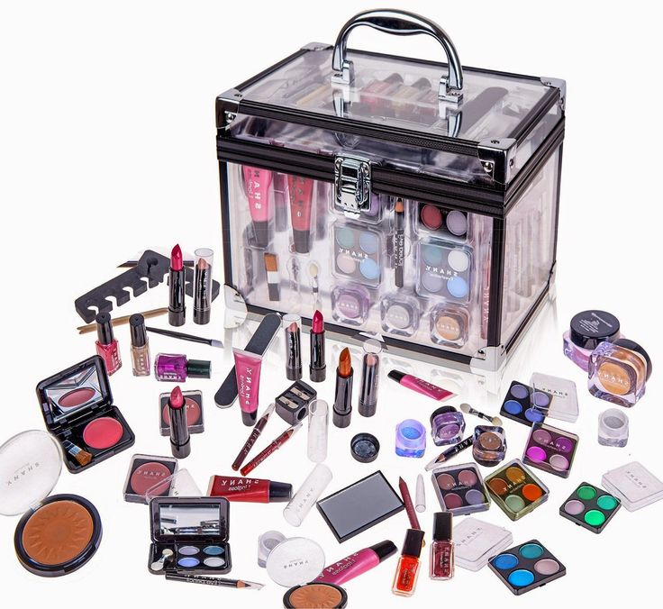 SHANY Carry All Trunk Professional Makeup Kit - Eye-shadow,Pedicure,manicure With Black Trim Clear Case Cosmetics included: Eye shadows, Blush, Powders, Nail polish, Pencils, Sharpener, Mirror , Pedicure, Manicure, Lipgloss, Lipsticks, Brushes and applicators http://secretwomaninme.blogspot.com/2014/10/the-art-of-looking-beautiful.html
