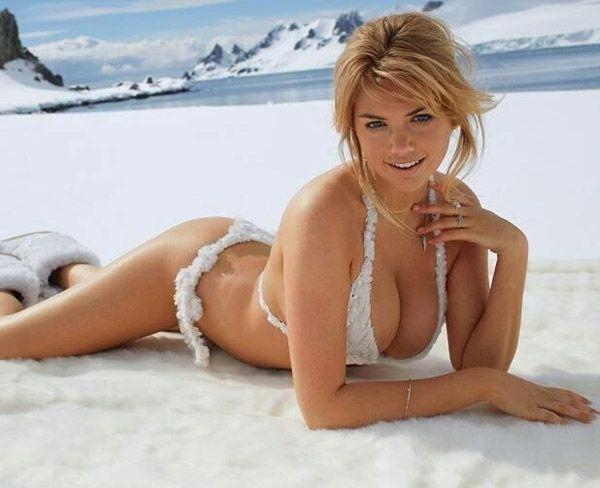 kate-snow-in-a-bikini