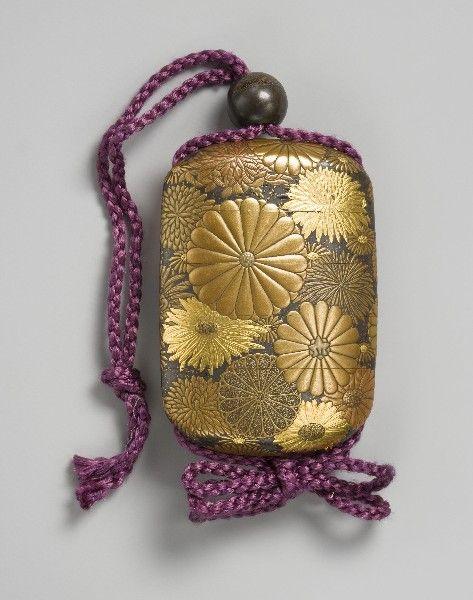 Inro kiku decorated 印籠