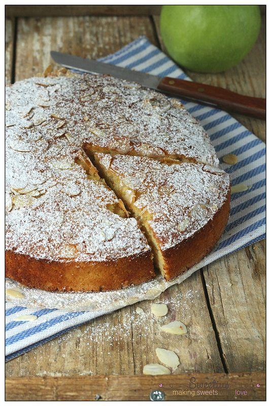 Κέικ με Μήλα και Αμύγδαλο | Almond and Apple Cake