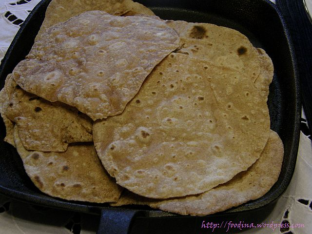 Chapatis – indische kleine Fladenbrote | Foodina