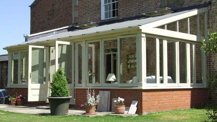 This beautiful conservatory was for a client in the charming, historic town of Devizes. They required a fairly large lean-to style conservatory to replace the existing structure. As a replacement, the foundations were already in place, but as the house is a listed building, planning permission had to be obtained. Several brick samples were selected and assessed to match the bricks to be used for the dwarf wall. We could not progress until we were entirely happy with the match.