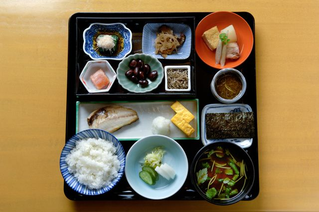 Makings of a Japanese Meal - All You Need to Know to Host a Fab Dinner!: A Japanese Meal
