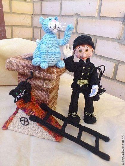 Трубочист и Ко...ты, вязаная интерьерная игрушка - трубочист,труба,домик с трубой