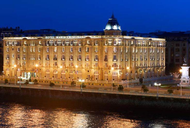 Hotel Maria Cristina, a Luxury Collection Hotel, San Sebastian - Exterior at night