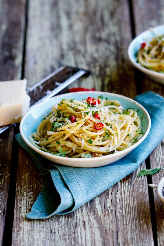 Spaghetti with anchovies and chillies