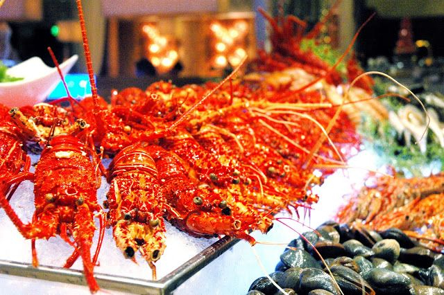 DUDE FOR FOOD: Awesome Lobster Buffet at Diamond Hotel's Corniche