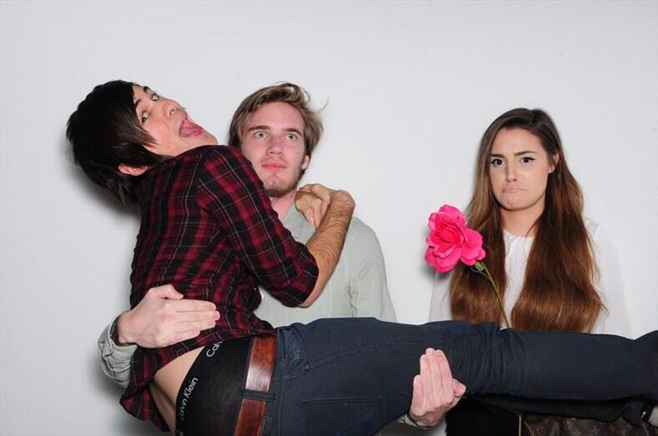 ... Poor marzia! look at anthony's butt hanging out!!!