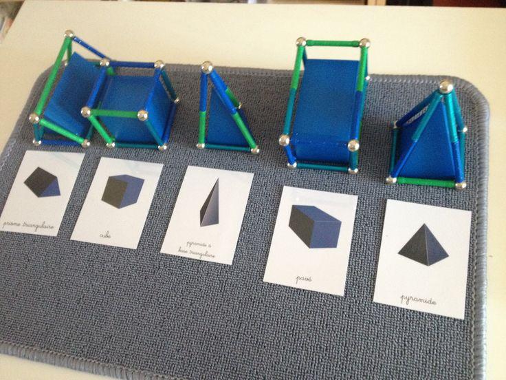 Inès travaille avec les solideset le vocabulaire arête/sommet. Nous avons utilisé des Géomag, les boules représentent les sommets et les barres les arêtes. Un jeu d'enfant pour assimiler ces notio...