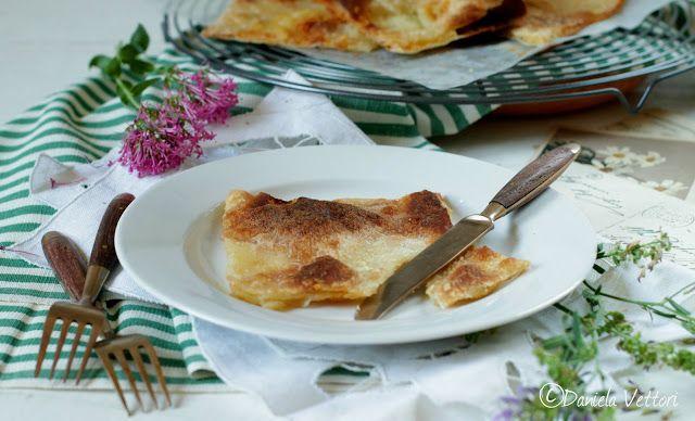 LE CINQUE ERBE: La Focaccia di Recco col formaggio