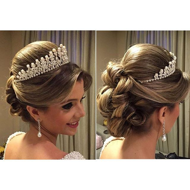 Inspiração para noivas que desejam um penteado clássico e com uma grinalda tipo coroa e bem alta! ...