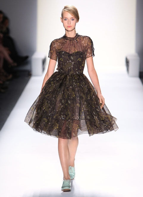 Honor NYC  dress: Silk Cupcake, Cupcake Rosa-Choqu, Glamour Mi Style, Black Dresses, Fashion Style Mor, Honor Spring, Cupcake Dresses, Black Lace Dresses, Dresses Prom