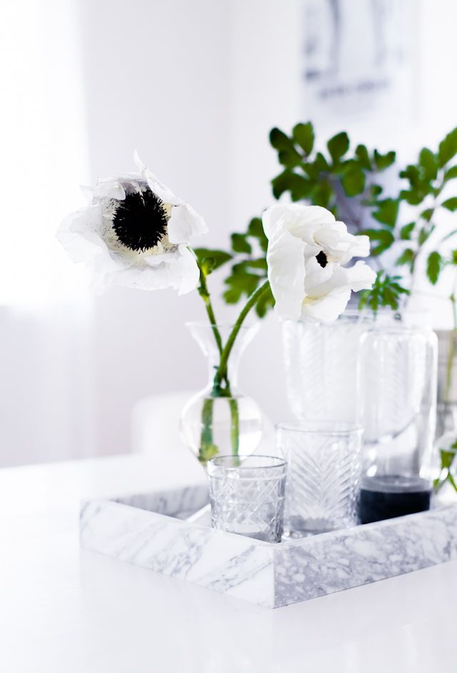 Marble tray & flowers for bathroom counter