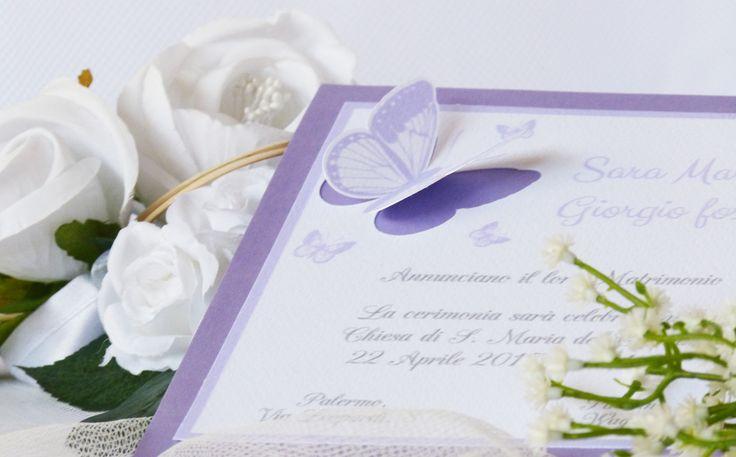 Partecipazione farfalle Splendida partecipazione con farfalla intagliata in rilievo nella versione glicine