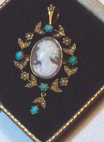 ANTIQUE-GOLD-CAMEO-PENDANT-BROOCH-SET-WITH-TURQUOISE-amp-PEARL
