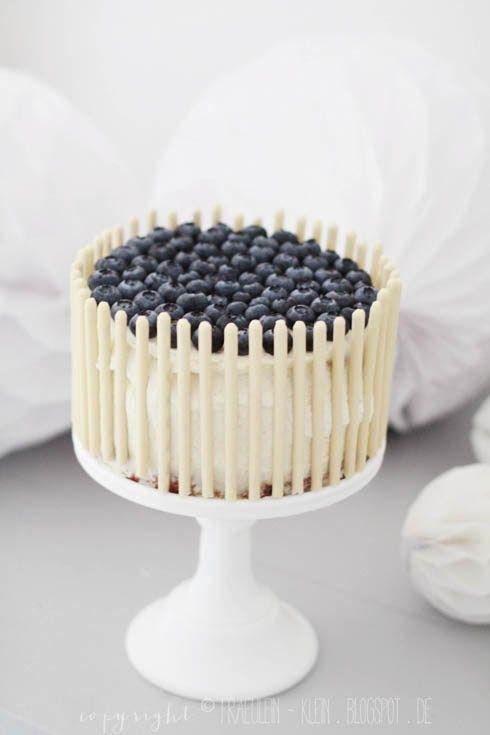 Heidelbeer-Torte mit Zitrone und Kardamom von http://fraeulein-klein.blogspot.de/