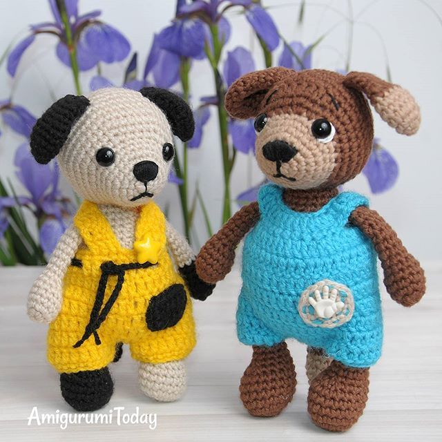 These are Timmy and Tommy, the adorable amigurumi dogs, looking for cuddles! 🐶💕🐕😄You can find the pattern for Timmy the Dog dressed in blue jumpsuit on Amigurumi Today. Tommy pattern will be available there soon. Easy loops! 😘 #amigurumi #amigurumicrochet #dogs #funnydogs #handmade #amigurumipatterns #crochetpatterns #gifts #giftideas #doglovers #diy #crafts #crochet #crochetlove #amigurumitoy #amigurumidolls #crochetdolls #crochettoys #handmadegifts #crochetdog #patterns #freepatterns
