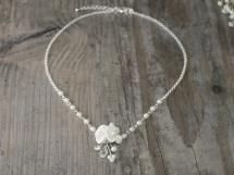 Halskette mit 2 Satinblüten
