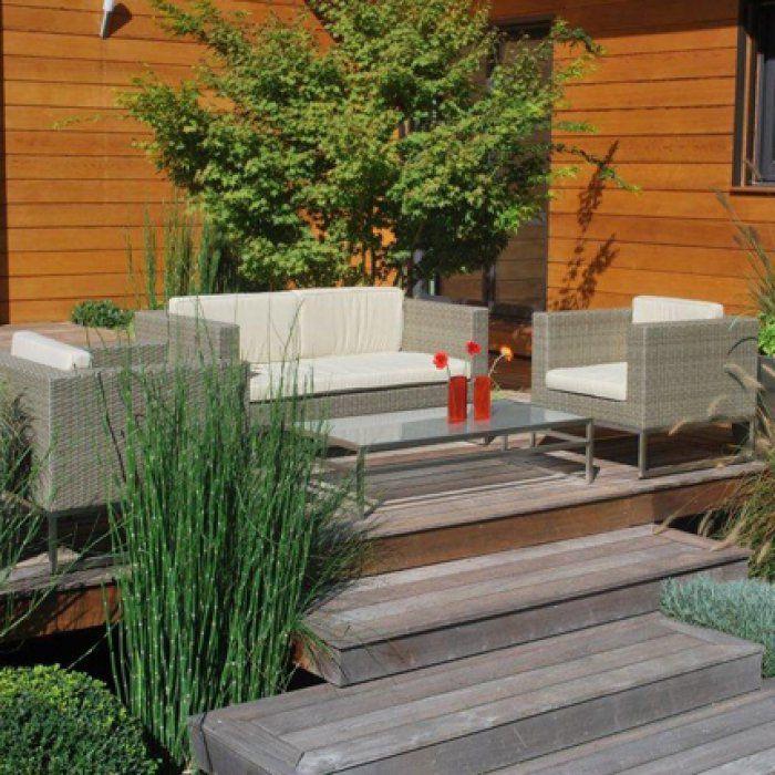 Bois, résine, rotin, PVC, les solutions pour rajeunir son mobilier de jardin