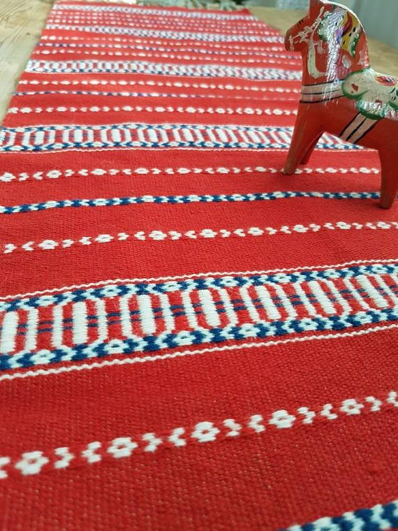 Check out this item in my Etsy shop https://www.etsy.com/se-en/listing/561750185/beautiful-christmas-red-handwoven-wool