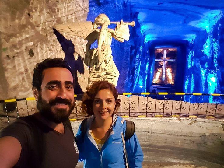 Bogota'nın 45 km kuzeyindeki Zipaquira kenti binlerce yıldır kullanılan tuz madeniyle meşhur. Bundan 21 yıĺ önce madenın bulunduğu tepeye yerin 200 metre altına bir katedral yapılıyor. Bugün Kolombiya'nın tek harikası olarak anılan bu katedral tuz katedrali olarak isimlendirilmiş. Katedral hakkındaki yazımızın linkk profilde.